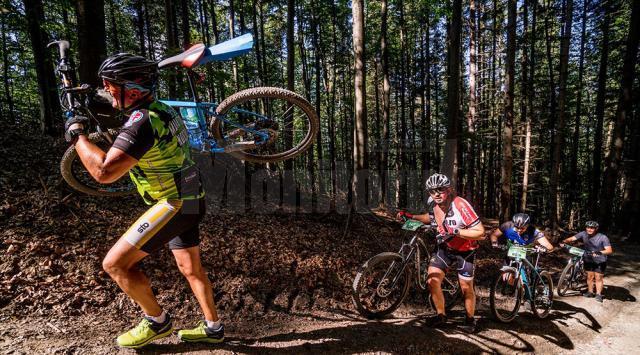 A doua ediție a concursului de ciclism montan Bucovina MTB a avut aproximativ 200 de participanți, din țară și de peste hotare