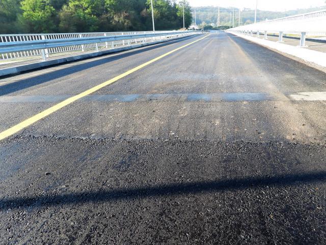 Podul Unirii, care face legătura între noua porțiune de drum și strada Enegeticianului