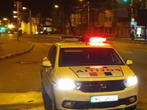 Șofer băut urmărit de polițiști, prins când încerca să parcheze mașina