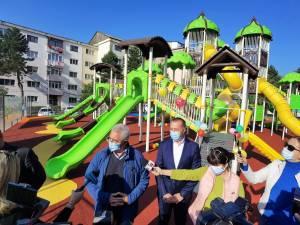 Noul loc de joacă de 1000 de mp în care se pot juca 165 de copii simultan, inaugurat vineri, în Burdujeni