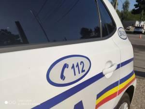 Polițiști în urmărire, după o mașină suspectă, într-un cătun de romi