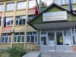 """Colegiul Național """"Mihai Eminescu"""" rămâne pe scenariul roșu"""