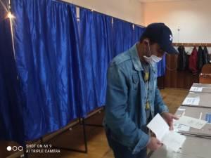 Vasile Bolohan a venit de la aproape 3000 de kilometri ca să voteze la alegerile locale