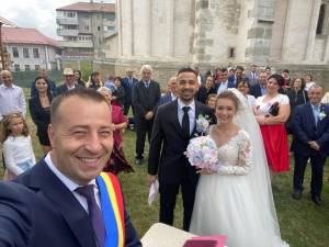 Viceprimarul Lucian Harșovschi a oficiat căsătoria a 19 cupluri care și-au unit destinele în preajma alegerilor locale
