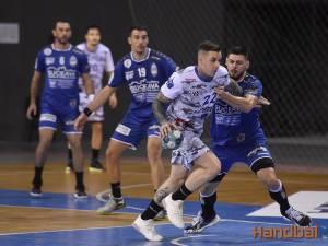 HC Buzău a caştigat disputa cu CSU Suceava. Foto Alex Nicodim