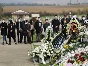 """Directorul Colegiului """"Mihai Eminescu"""", Renato Tronciu, a fost înmormântat astăzi în cimitirul Pacea Nou"""