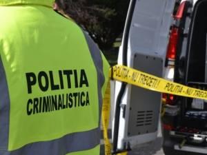Moartea suspectă a unei femei din Calafindești, cercetată de polițiști