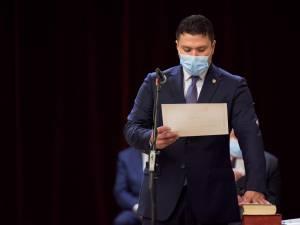 Bogdan Loghin a depus miercuri jurământul pentru calitatea de primar al municipiului Rădăuți
