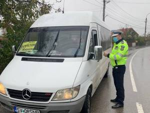 Polițiștii au verificat respectarea masurilor de protecție anti-Covid 19 în mijloacele de transport