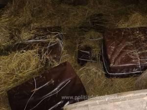 Aproape 5.000 de pachete de țigări de contrabandă, abandonate la Lupcina