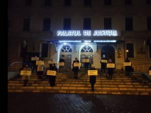 """Avocați stagiari suceveni au protestat față de subiectele de la definitivat, """"ilogice și fără sens"""""""
