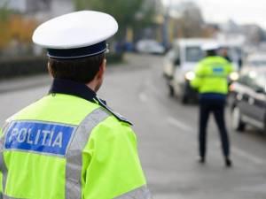 Un noian de infracțiuni, descoperit de polițiști la oprirea unei mașini conduse de un tânăr