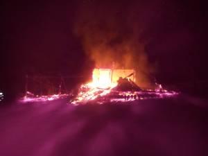 Incendiul a izbucnit sâmbătă seară