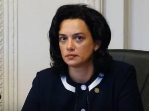 Deputatul Angelica Fădor
