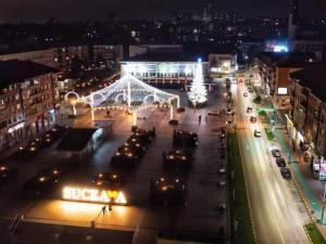 Municipiul Suceava, pregătit de sărbătorile de iarnă, cu mii de decorațiuni luminoase 8