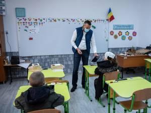 Tablete şi cartele de date pentru Şcoala Primară Osoi oferite de Rotary Club Suceava Cetate