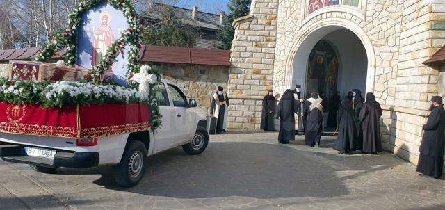Racla cu moaștele Sfântului Ioan cel Nou de la Suceava a ajuns marți și la Mănăstirea Cămârzani