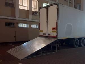 Tir frigorific pentru decedați, lângă Morga Spitalului Județean de Urgenţă Suceava