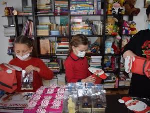 """Peste 400 de copii și vârstnici nevoiași au primit daruri în cadrul campaniei """"Olimpiadele faptelor bune"""""""