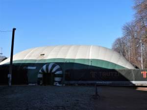 Primul teren de tenis cu zgură, acoperit, deschis 24 de ore din 24, timp de 12 luni pe an, deschis în Suceava