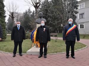 De Ziua Bucovinei, autoritățile sucevene au depus coroane de flori la bustul lui Iancu Flondor