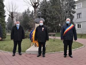 Autoritățile sucevene au depus coroane de flori la bustul lui Iancu Flondor
