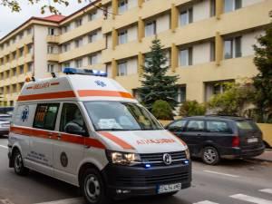 Bărbatul a fost preluat de o ambulanță