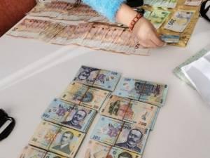 Banii ridicați la percheziții de la Leon-Ionuț Mihăiescu ar aparține de fapt părinților acestuia