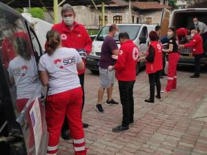 #ContinuămSăAplaudăm Voluntarii Crucii Roșii Române