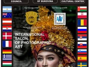 """Retrospectiva 2016-2019 a Salonului Internațional de Artă Fotografică """"Bucovina Mileniul III"""", la Muzeul de Istorie"""
