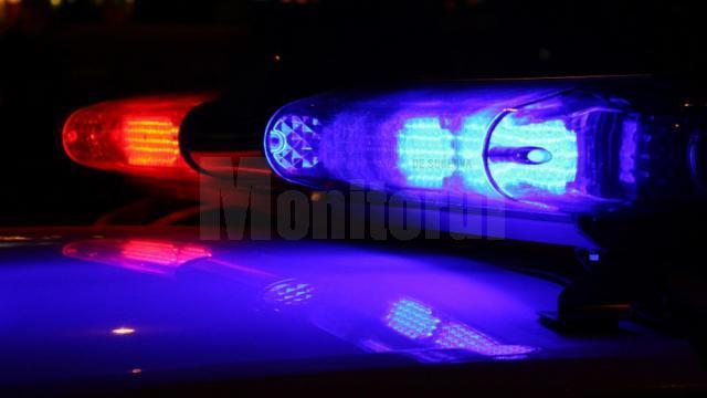 Bătrână lovită mortal de o mașină, în timp ce se deplasa pe drum pe timp de noapte