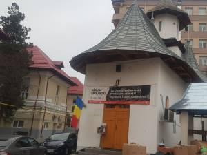 """""""Îmbracă un copil de sărbători"""", campanie susținută de comunitatea din Păltiniș, comuna Panaci"""
