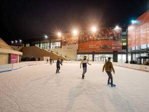 Start distracției de iarnă, pe patinoarul de la Iulius Mall Suceava