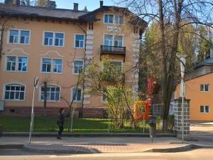 Cele trei victime au fost transportate la Spitalul Municipal Vatra Dornei