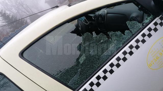 Un puștan de 13 ani a spart un taxi, la Gura Humorului