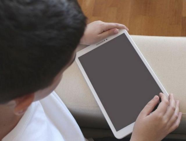 Elevii şi preşcolarii vor continua să facă învățământ online până pe 8 februarie