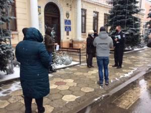Manifestanţii şi-au exprimat susţinerea faţă de managerul spitalului rădăuțean, Traian Andronachi