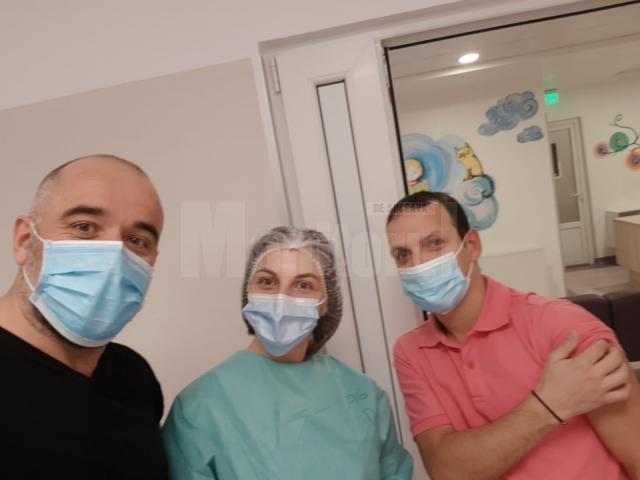 Voluntarii Institutului Bucovina, implicați activ în campania de vaccinare