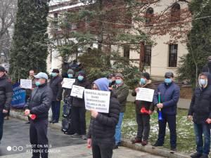 Polițiști de frontieră și militari în rezervă au protestat față de înghețarea salariilor și a pensiilor