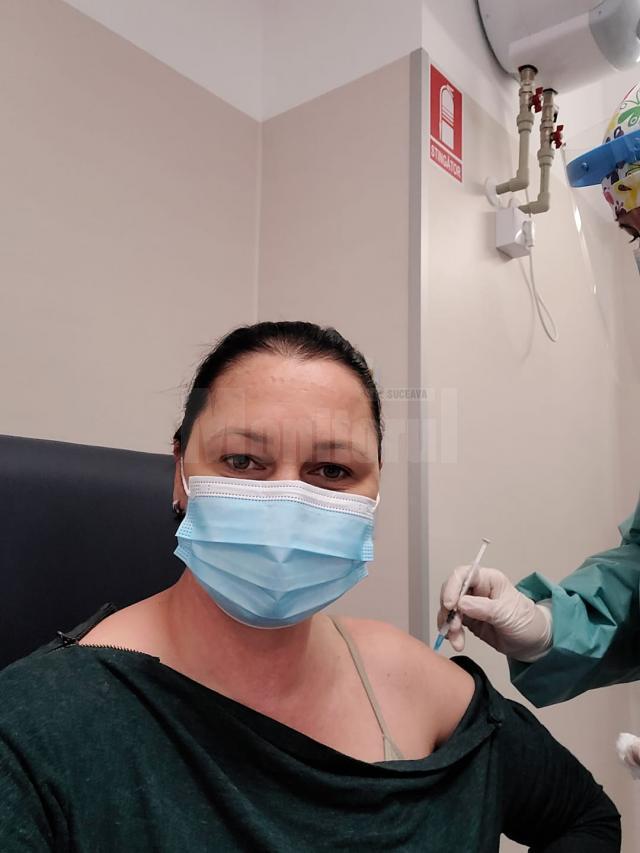 Printre cei vaccinați miercuri este și Diana Peptănuș Marin