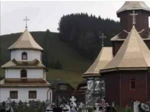 Biserica Sf. Arh. Mihail și Gavril, distrusă în incendiul de miercuri seara