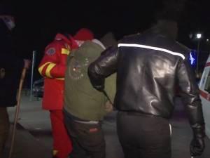 Oamenii străzii, adunați de Poliția Locală Suceava, testaţi de Covid și duși la adăpost