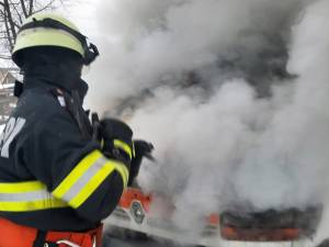 Focul ar fi plecat de la un scurtcircuit produs la un conductor electric defect