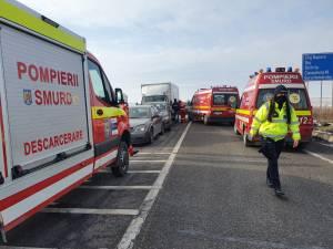 Ambulanțele SMURD au preluat doi răniți și i-au transportat la spital