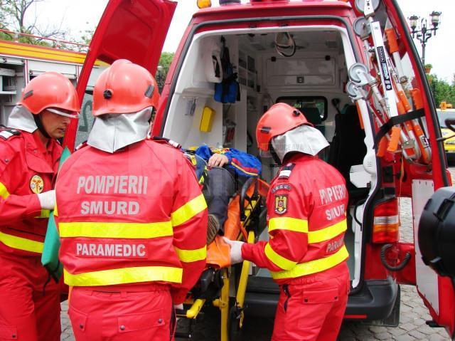 Tanarul de 19 ani a fost preluat de un echipaj SMURD si transportat la spital