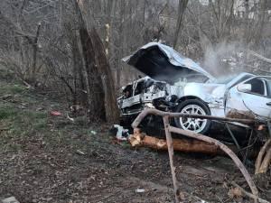 Șoferul a fost găsit proiectat în afara autoturismului, în stare de inconștiență