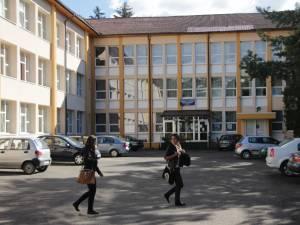 Colegiul Economic Dimitrie Cantemir  (3)