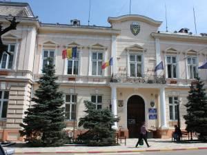 """Pentru Rădăuți s-a decis prelungirea restricțiilor pentru """"zona roșie"""""""