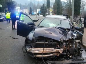 Impactul dintre cele două mașini a fost extrem de puternic
