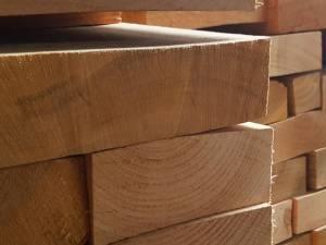 Peste 10 metri cubi de lemn erau neacoperiți de documente de transport